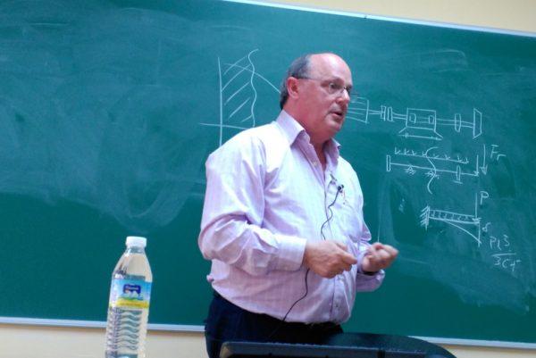 Don Javier Domínguez (Jefe de Mantenimiento de Huntsman-Toixide)